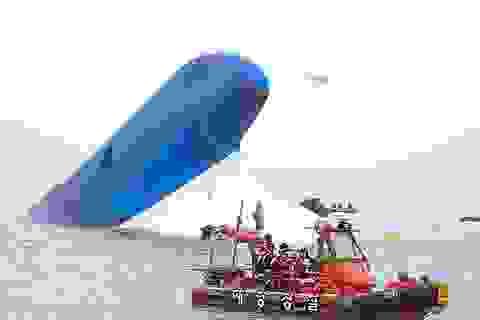 Vụ đắm phà kinh hoàng Hàn Quốc: Do đá ngầm hay do thuyền trưởng?
