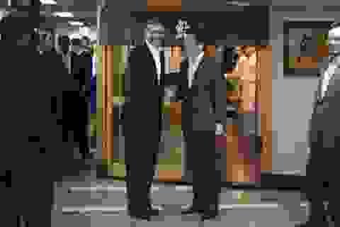 """Obama hiện thực hóa """"giấc mơ sushi"""" tại Tokyo"""