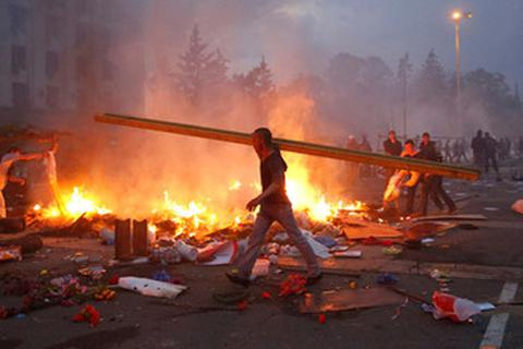 """Nga: """"Lố bịch"""" khi bầu cử Tổng thống Ukraine trong bạo lực"""