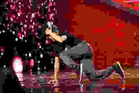 """Giám khảo thẫn thờ trước bài """"nhảy đại"""" của thí sinh Vietnam's got talent"""