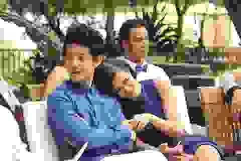 """Đông Nhi """"tình tứ"""" bên Ông Cao Thắng như vợ chồng trẻ"""