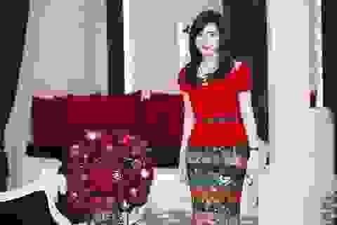 Hoa hậu Giáng My tươi trẻ đón Noel sớm