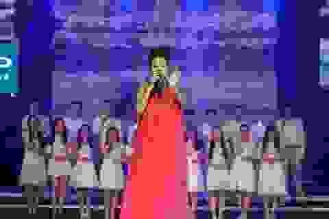 Mang bầu tháng thứ 5 đi hát, Thu Minh bất ngờ bị choáng vì hạ đường huyết