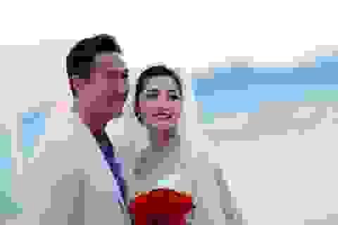 """Tài tử Hồng Kông Mã Đức Chung """"ngẩn ngơ"""" trước hoa hậu Triệu Thị Hà"""