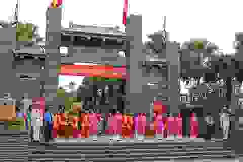 Hàng vạn người dân TPHCM dâng hương ngày Quốc Giỗ