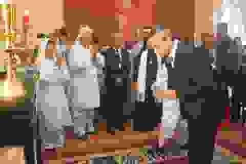 Tổng lãnh sự quán Pháp đến viếng GS Trần Văn Khê