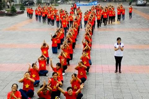 SV Y - Dược Huế nhảy flashmob chúc mừng thầy cô