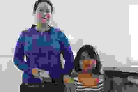 Trao hơn 37 triệu đến cháu bé ở đảo Lý Sơn