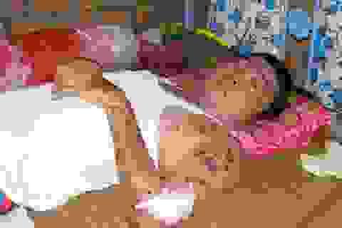 """Bộ Y tế chỉ đạo Sở Y tế Đồng Nai giúp đỡ hoàn cảnh """"cha già cắt thịt thối cứu con"""""""