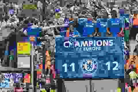 Chelsea được chào đón nồng nhiệt trong ngày trở về London