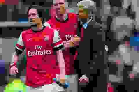 """""""Running Man"""" sang Emirates: Chiêu bài khôn ngoan của Arsene Wenger"""