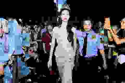 """Sự kiện  """"trai đẹp"""" Omar: Hoa hậu Thùy Dung và ban tổ chức tố nhau"""