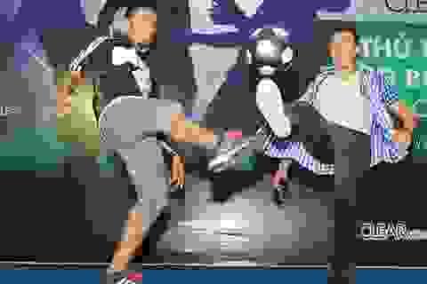 Sôi nổi cuộc thi Tâng bóng nghệ thuật theo nhóm tại Hà Nội