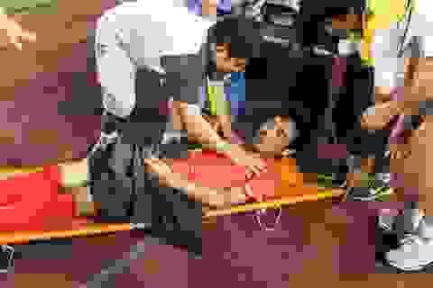 Cầu thủ Hải Phòng phải nhập viện cấp cứu