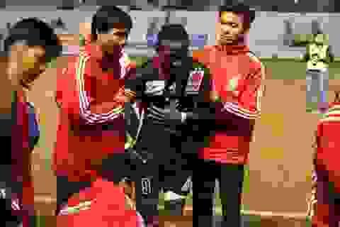 Cầu thủ Đinh Văn Ta bị treo giò 5 trận vì chơi xấu