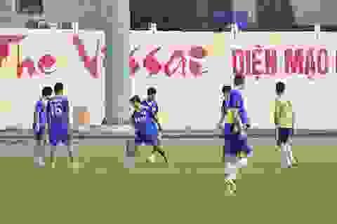"""Cầu thủ nhận tiền """"độ"""" vẫn tập luyện cùng Ninh Bình"""
