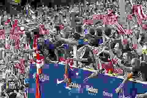Atletico diễu hành ăn mừng chức vô địch La Liga lịch sử