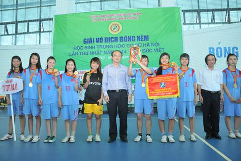 Kết thúc giải bóng ném học sinh THCS Hà Nội lần thứ 1