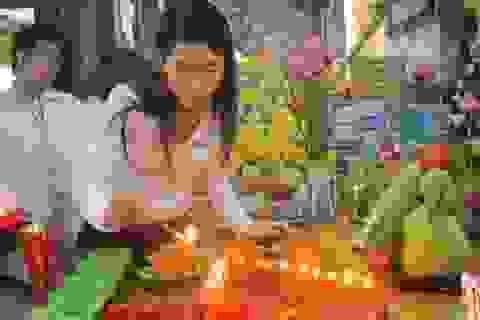 Chùm ảnh lễ cúng 49 ngày bé Nhân Ái