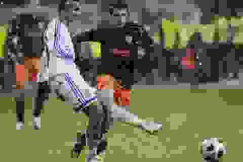 Valencia và Aston Villa cùng bị cầm hòa thất vọng