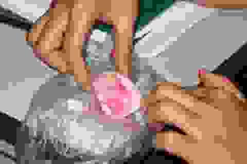 Hà Nội: Lại phát hiện một quả trứng gà khác thường