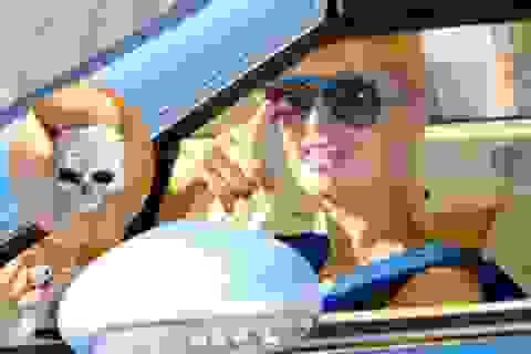 Paris Hilton sành điệu với Bentley Continental GTC