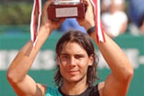 """Federer thêm một lần """"quy phục"""" trước Nadal"""