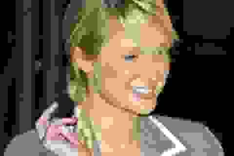 Paris Hilton đang tận hưởng tự do!