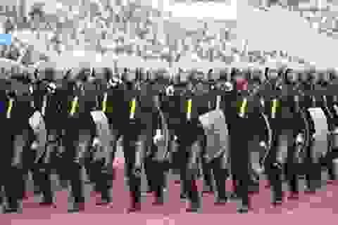 Cảnh sát cơ động làm nhiệm vụ giải cứu con tin