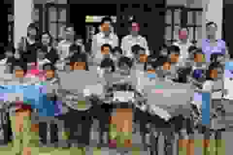 Quảng Bình: Nhiều phần quà ý nghĩa đến với học sinh vùng lũ