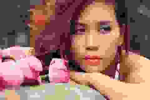"""Nhớ Trịnh Công Sơn, Hồng Mơ ra mắt """"Môi hồng đào"""""""