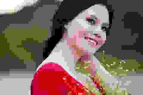 """Vẻ đẹp đầy nữ tính của """"sao mai"""" Thụy Miên"""