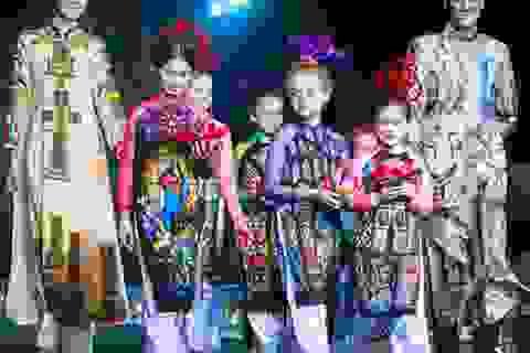 """Nhiều """"chân dài"""" khuấy động đêm thời trang Việt- Ý"""
