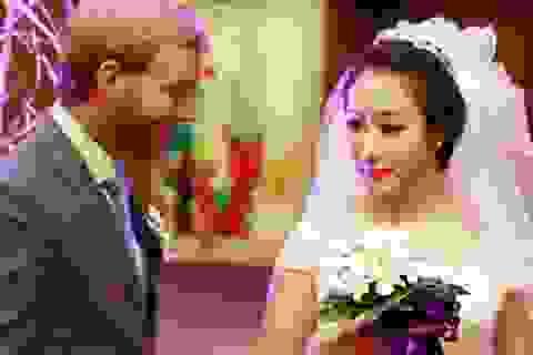 Hoa hậu Ngô Phương Lan rạng rỡ trong tiệc cưới tại Hà Nội