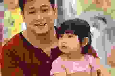 Con gái diễn viên Minh Tiệp càng lớn càng đáng yêu