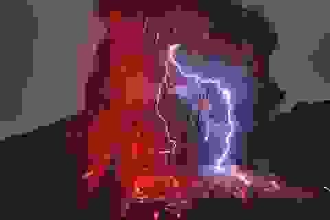 Khám phá cảnh tượng ngoạn mục khi núi lửa phun trào