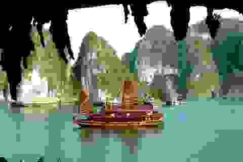 """Vịnh Hạ Long """"nổi như cồn"""" trên bản đồ du lịch thế giới"""
