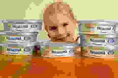Bé gái bị câm cất tiếng nói sau khi ăn pho mát kem