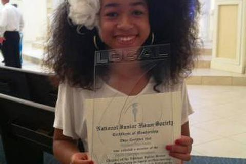 Nữ sinh có nguy cơ bị đuổi học vì mái tóc xoăn tự nhiên