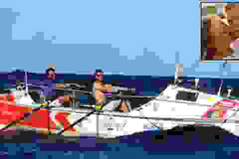 Chèo thuyền vượt Đại Tây Dương để cầu hôn bạn gái