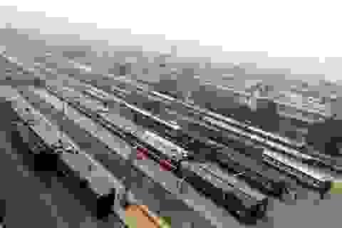 """Có đường bộ cao tốc, lo """"sốt vó"""" tuyến tàu Hà Nội - Lào Cai"""