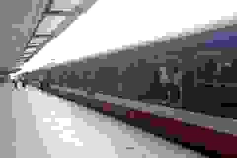 Tạm dừng chạy 2 tàu tuyến Hà Nội - Lào Cai