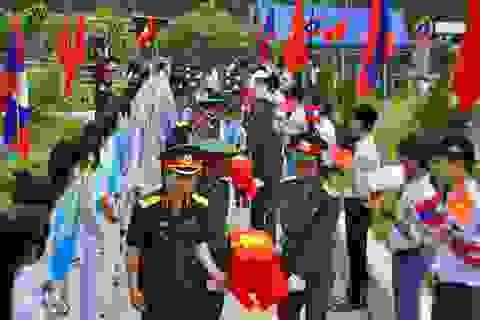 Rưng rưng ngày đón nhận và an táng 29 hài cốt liệt sỹ Việt Nam tại quê nhà