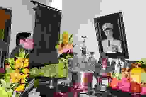 Đại tướng Phùng Quang Thanh dâng hương Đại tướng Võ Nguyên Giáp