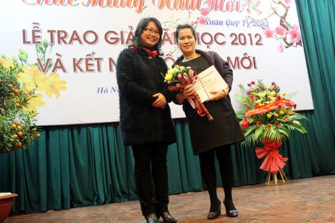 Nhà văn Y Ban không đến nhận Giải thưởng Hội Nhà văn