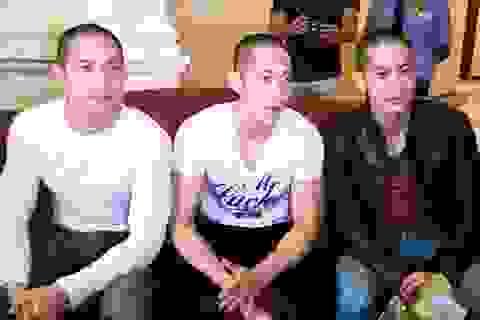 """Clip: Yến Trang, Diễm My đón 3 anh em """"Pacific Rim"""" đến Việt Nam"""