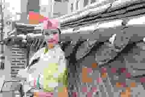 """Hoa hậu Ngọc Hân mặc """"hanbok"""" làm MC ở Hàn Quốc"""