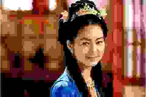 """""""Nữ hoàng Seon Deok"""" Lee Yo Won mang bầu lần 2"""