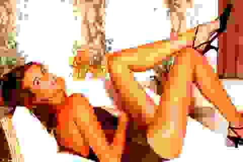 Cựu siêu mẫu Victoria's Secret trẻ ngỡ ngàng ở tuổi 50