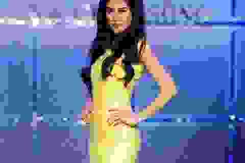 """Giải vàng Siêu mẫu Việt Nam 2002 """"biến hóa"""" trên sàn catwalk"""